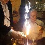 Świeczki na urodzinowym torcie